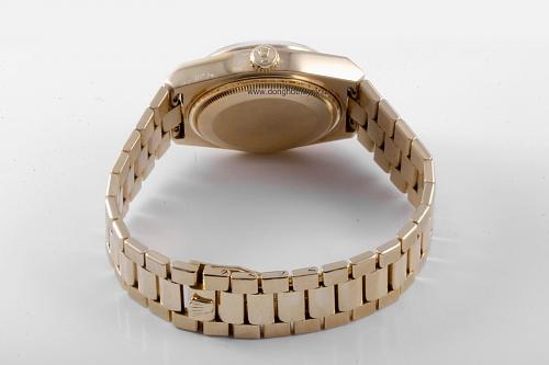 Những dòng đồng hồ Rolex Oysterquartz Datejust-Day-Date Reference-Model numbers-oyster-day-date-quartz-19018-www.donghothuysy.net-2.jpg