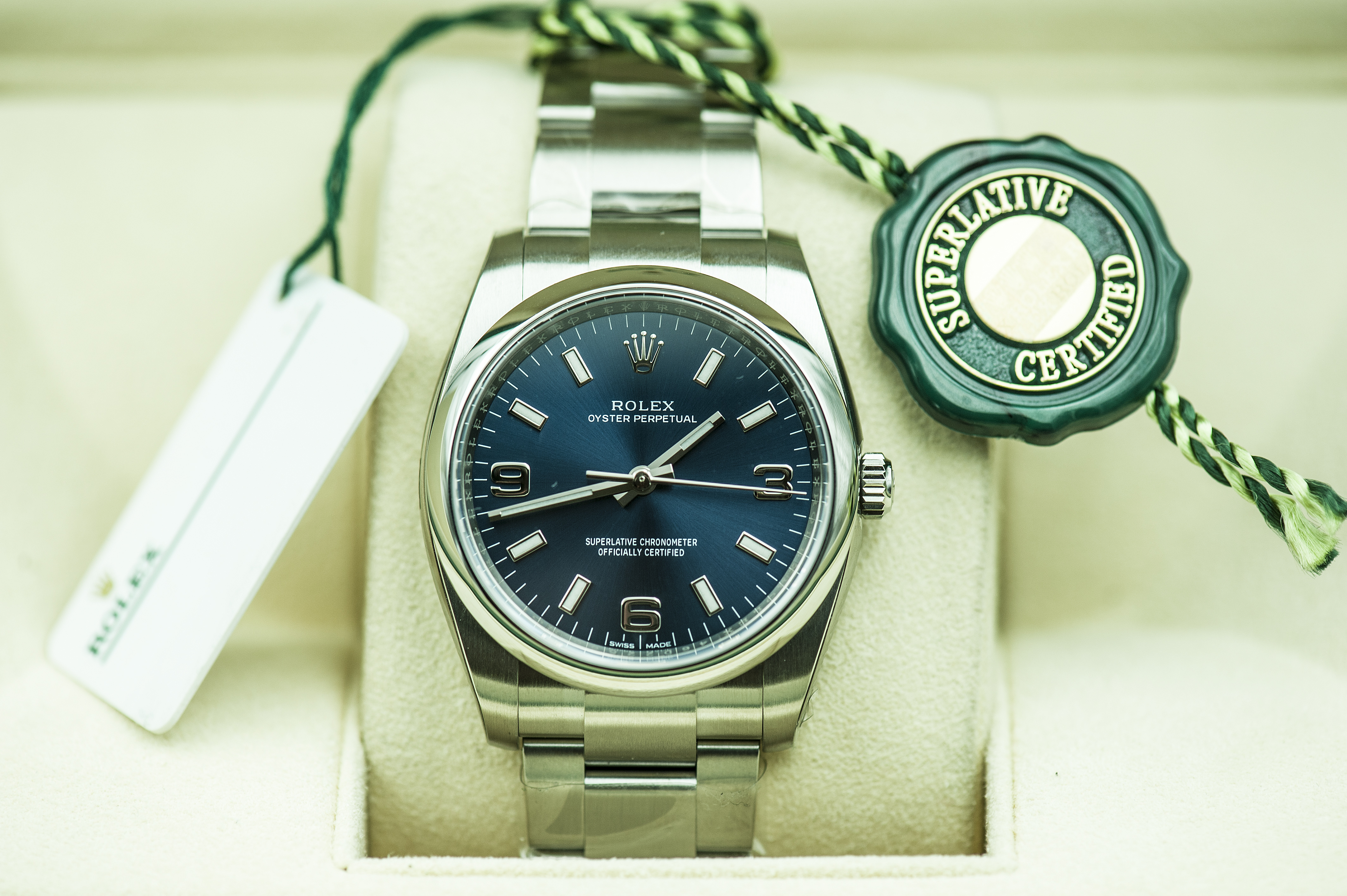 Đồng Hồ Rolex Oyster Perpetual 114200